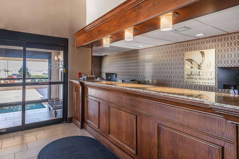 Lobby - Quality Inn & Suites Owasso