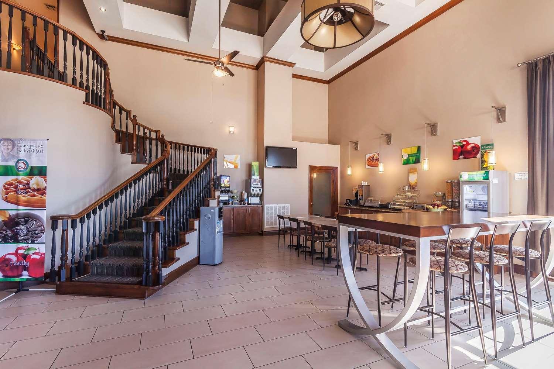 Restaurant - Quality Inn & Suites Owasso