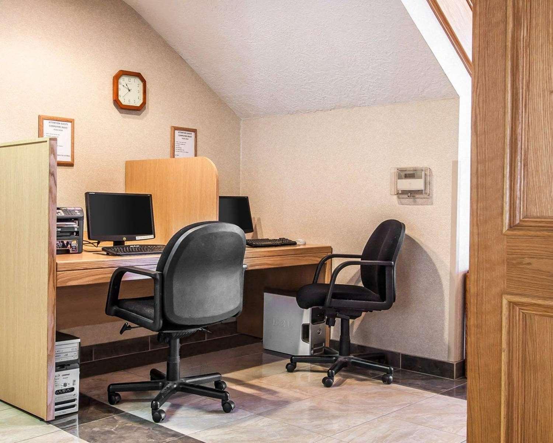 Conference Area - Comfort Suites Clackamas