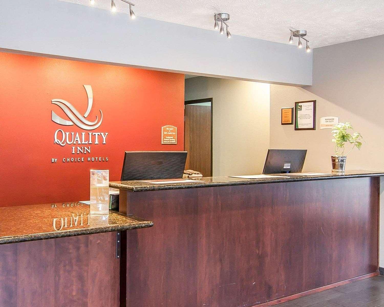 Lobby - Quality Inn Downtown Convention Center Portland
