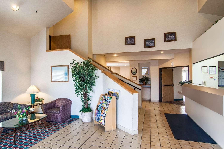 Lobby - Rodeway Inn Salem
