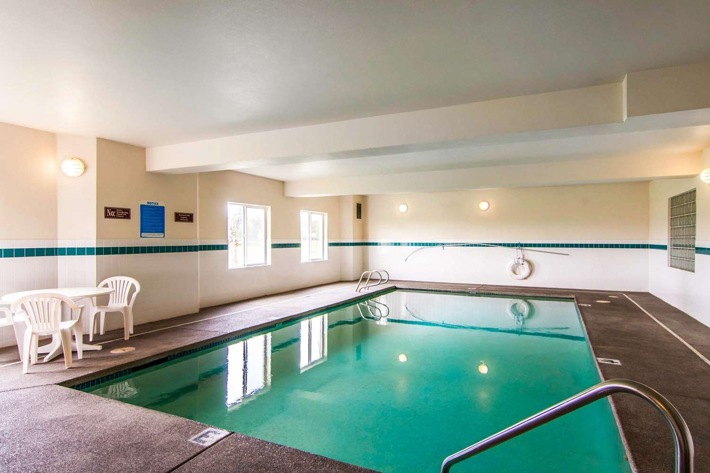 Pool - Rodeway Inn Salem