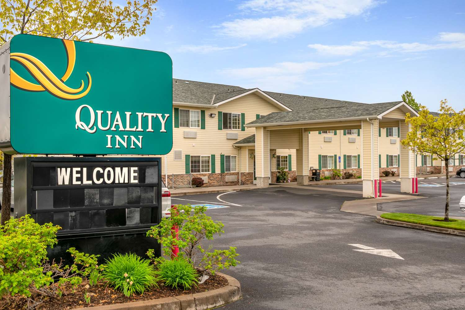 Exterior view - Quality Inn Bend