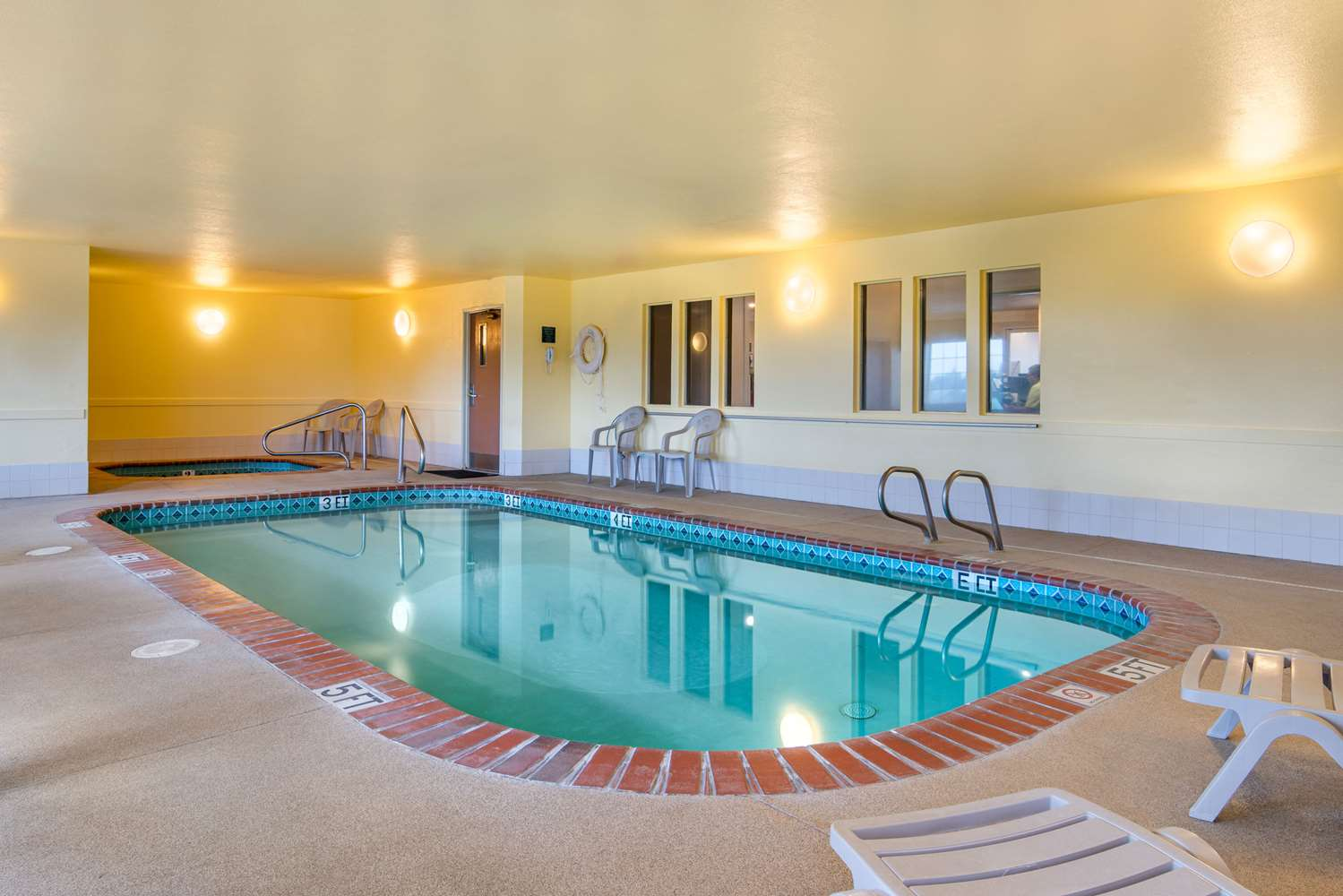 Pool - Quality Inn Bend
