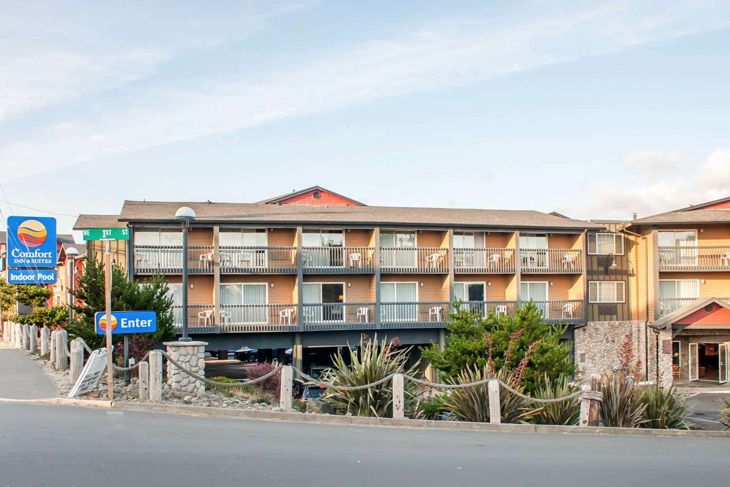 Exterior view - Comfort Inn & Suites Lincoln City