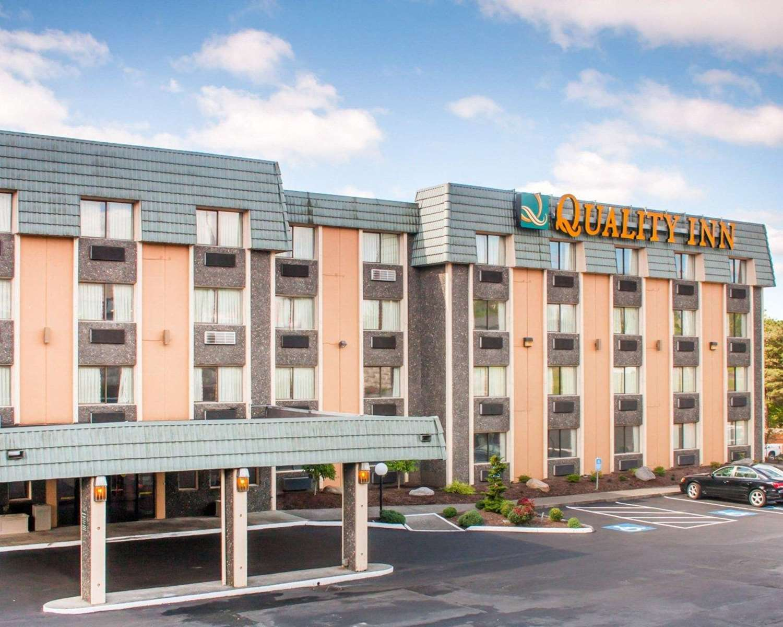 Exterior view - Quality Inn Tigard