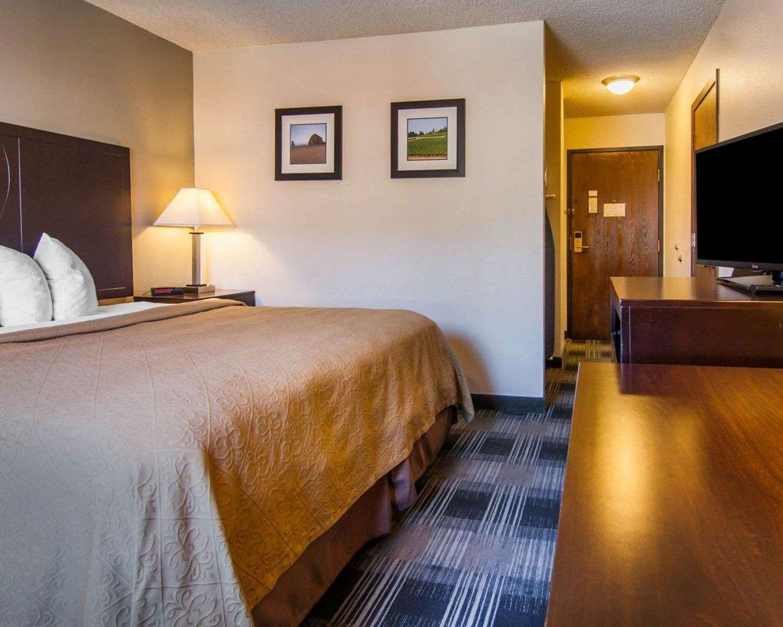 Room - Quality Inn Tigard