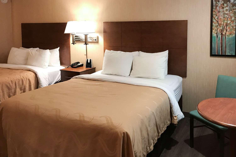 Room - Quality Inn Bedford