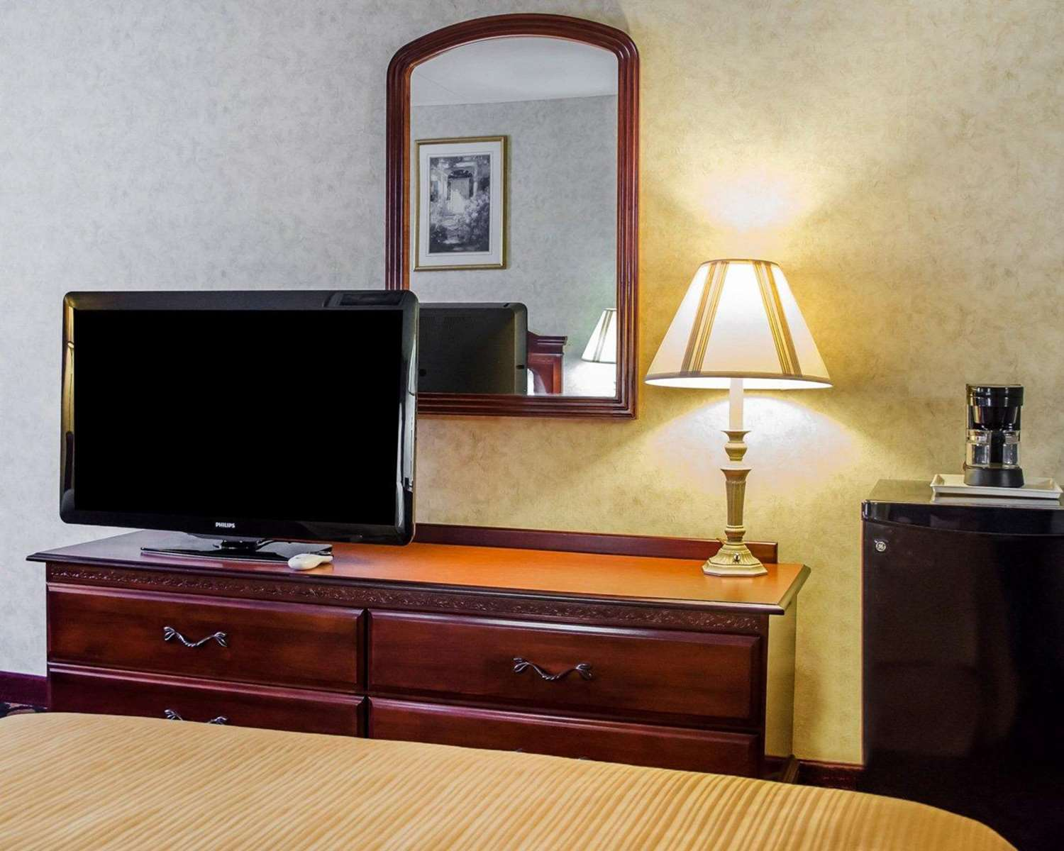 Room - Quality Inn Riverview Enola