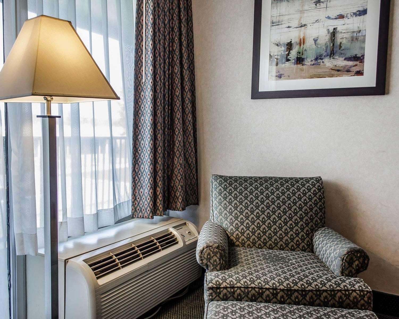 Room - Quality Inn & Suites York