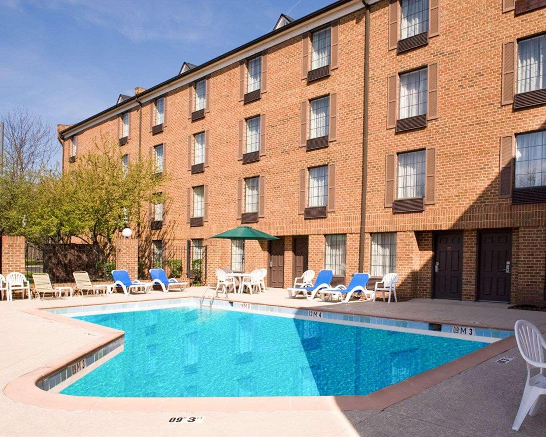 Pool - Comfort Inn Pottstown