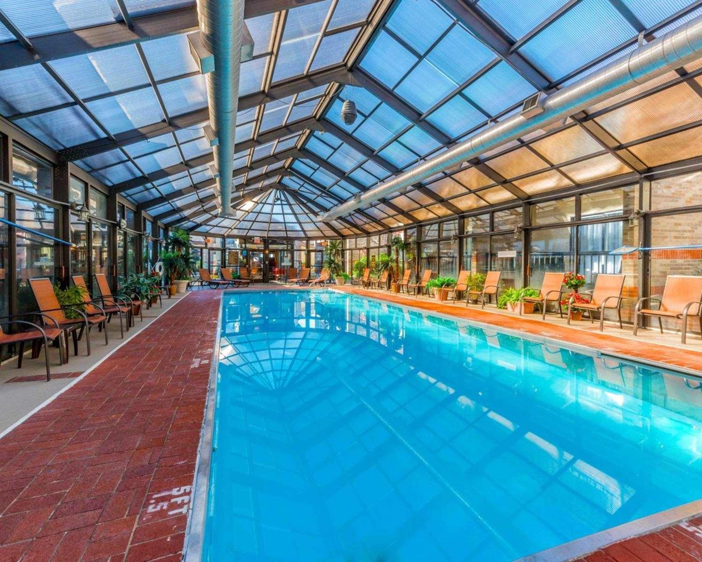 Pool - Comfort Inn Erie