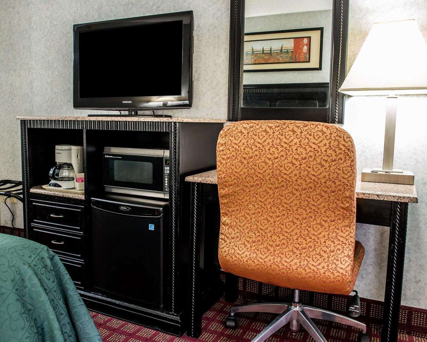 Room - Quality Inn & Suites Gibsonia