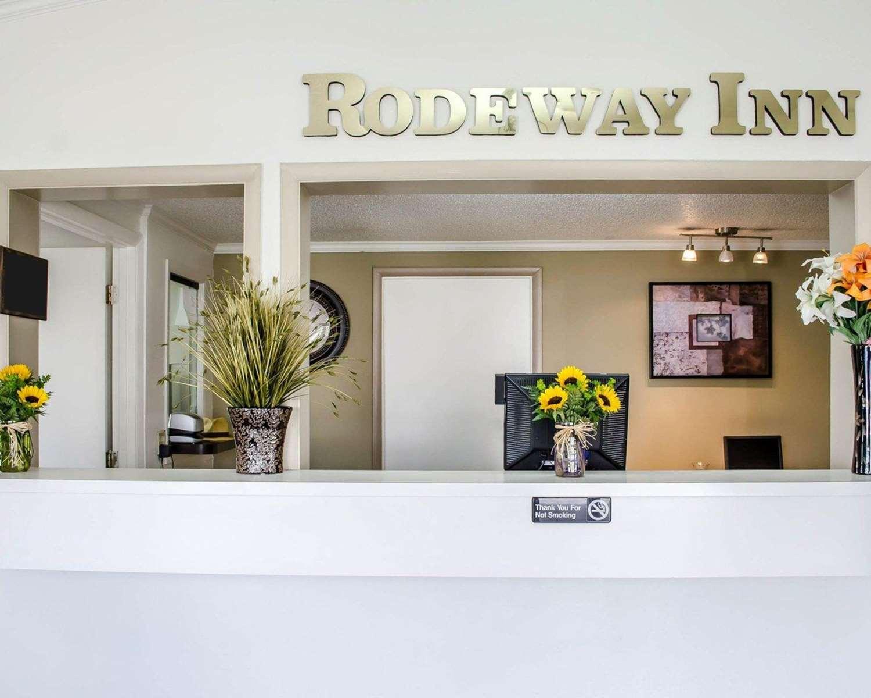 Lobby - Rodeway Inn Carlisle