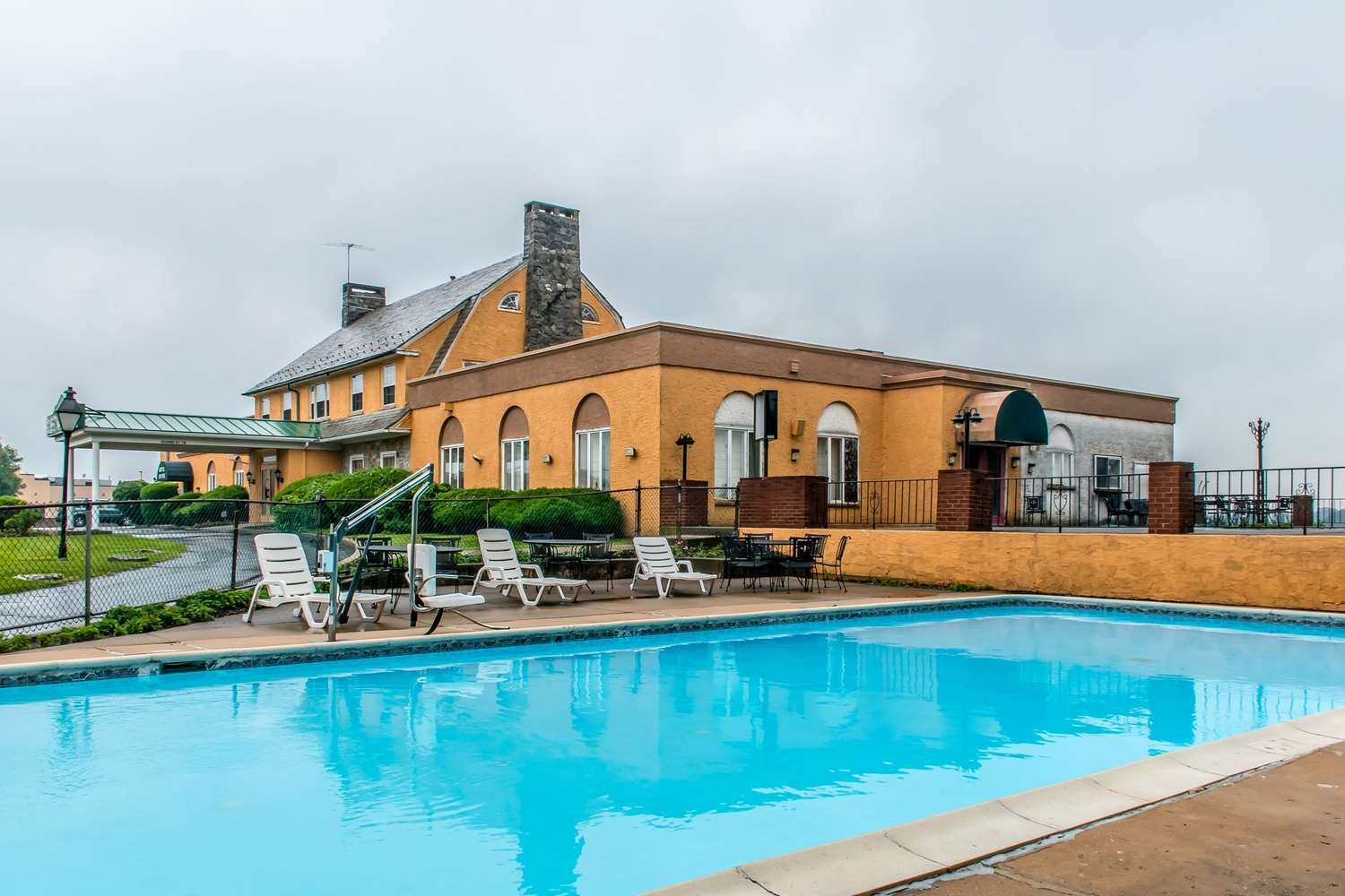 Pool - Rodeway Inn Amish Country Lancaster