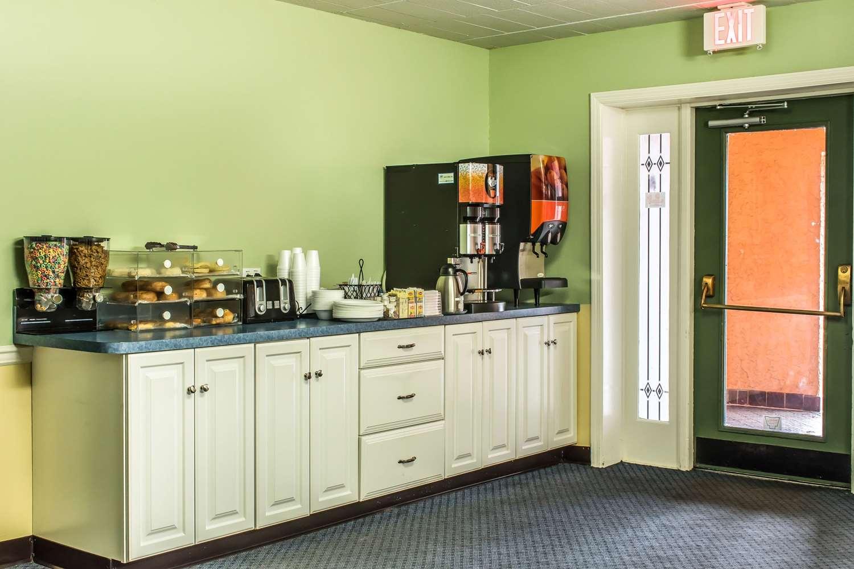 Restaurant - Rodeway Inn Amish Country Lancaster
