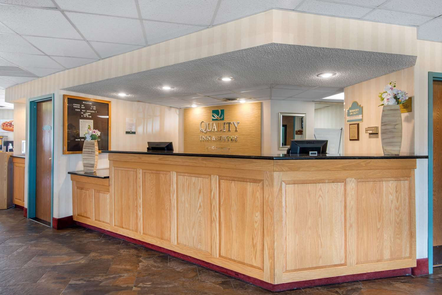 Lobby - Quality Inn & Suites Mansfield
