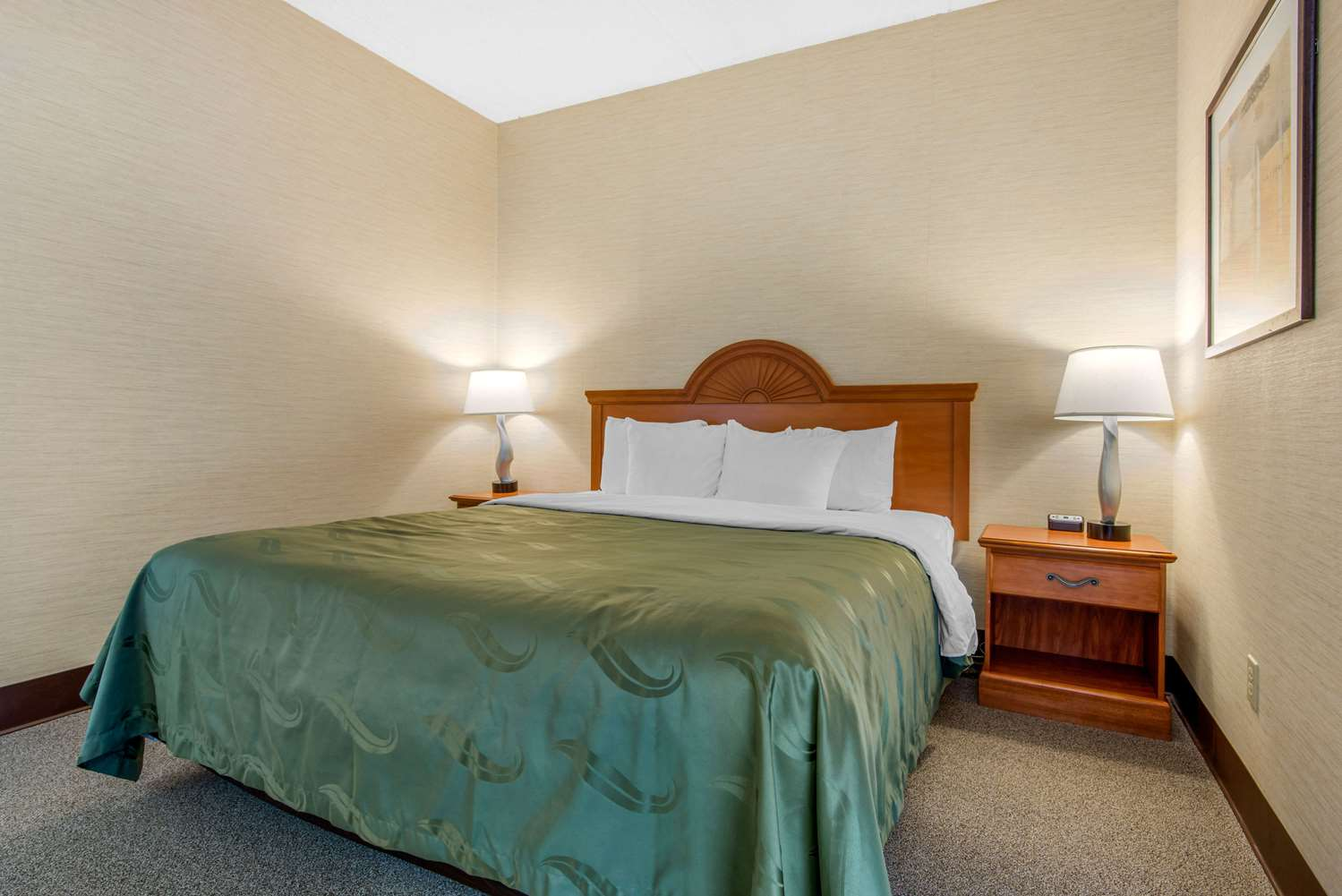 Suite - Quality Inn & Suites Mansfield