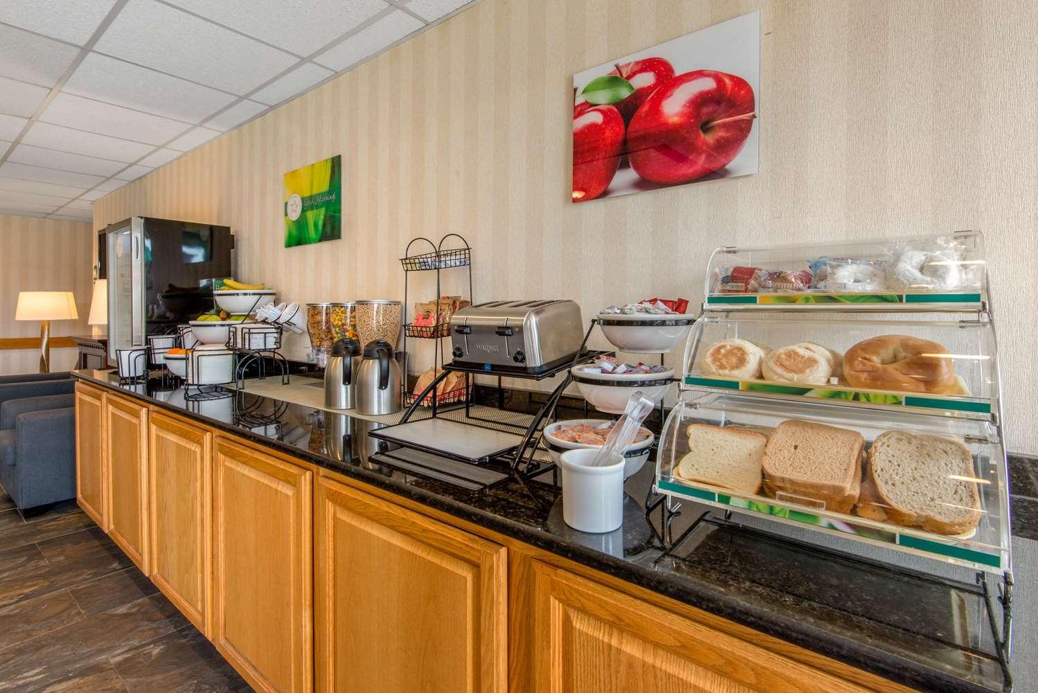Restaurant - Quality Inn & Suites Mansfield