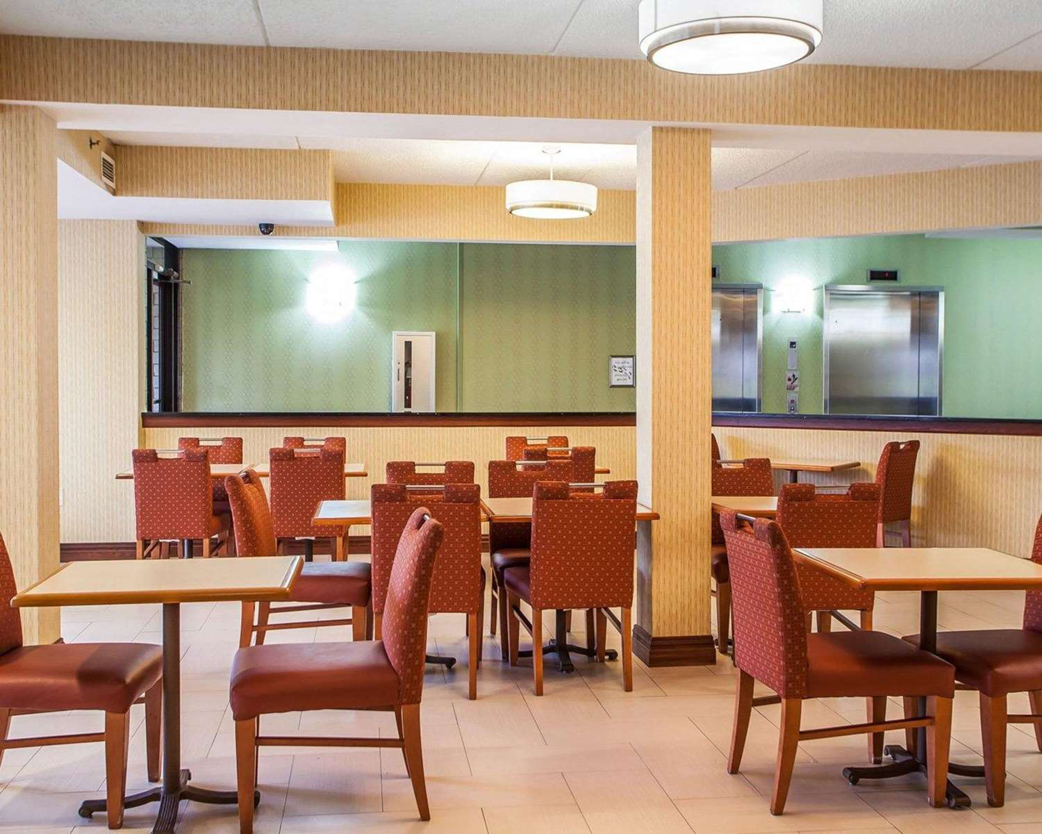 Restaurant - Comfort Inn West Allentown