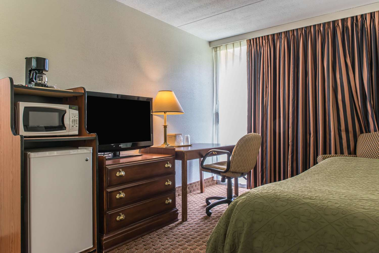 Suite - Rodeway Inn Brookville