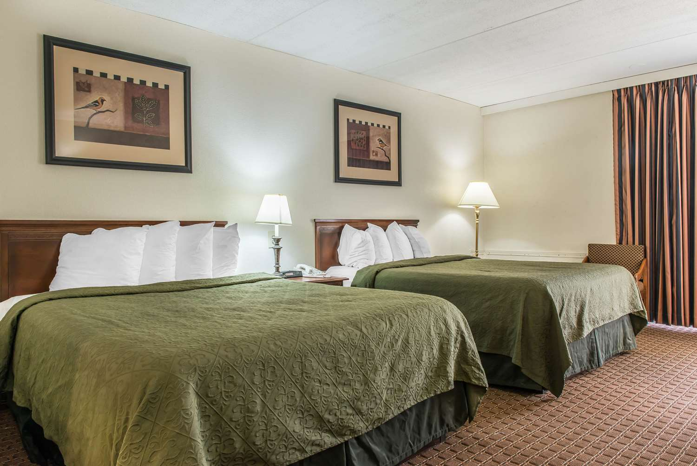Room - Rodeway Inn Brookville