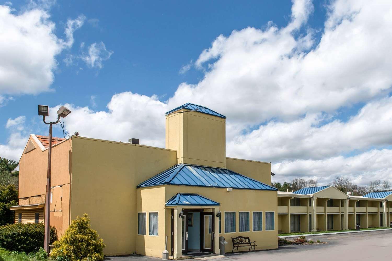 Exterior view - Rodeway Inn Brookville