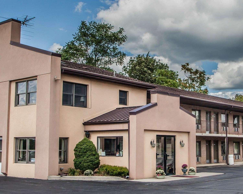 Exterior view - Econo Lodge Douglassville