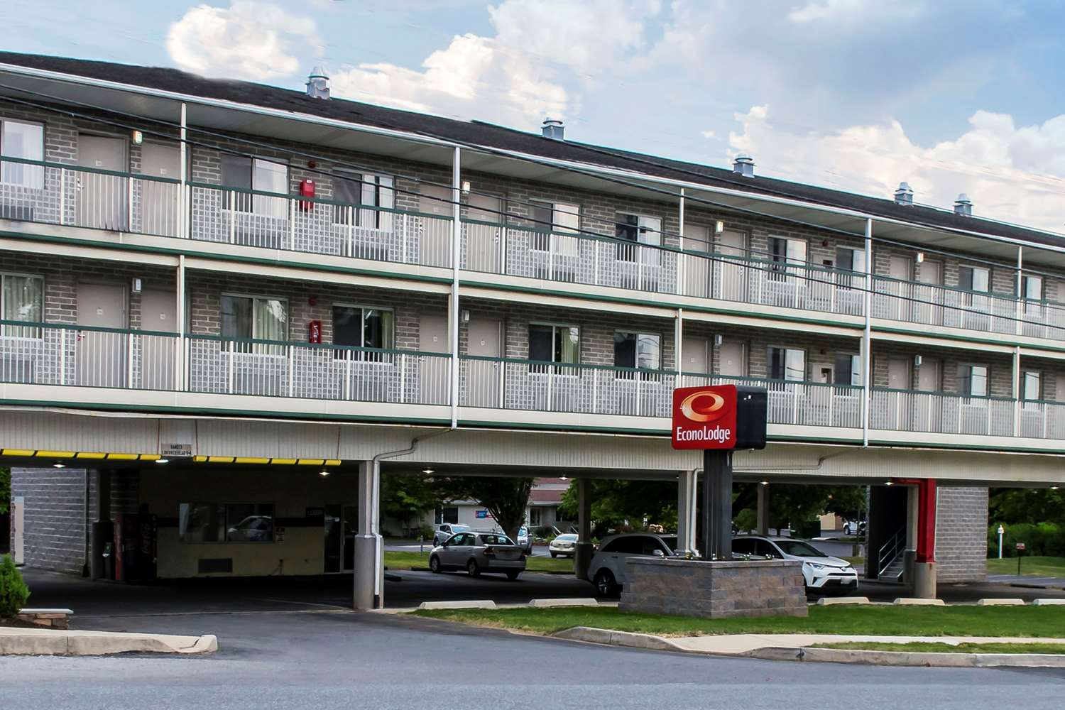 Exterior view - Econo Lodge Hershey
