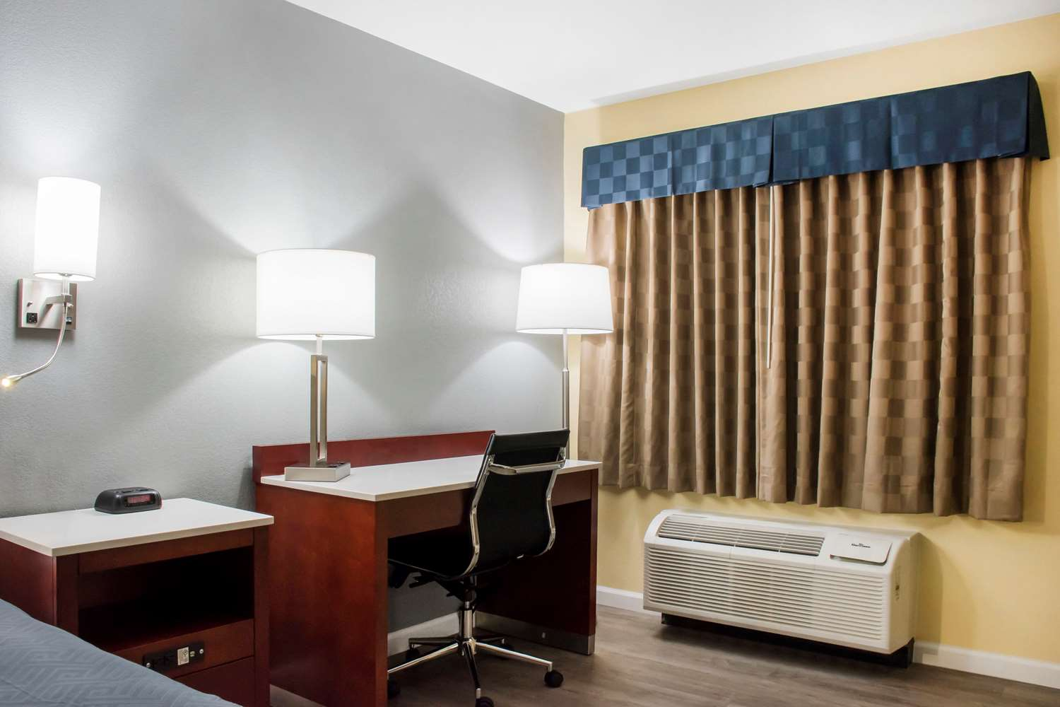 Room - Econo Lodge Hershey