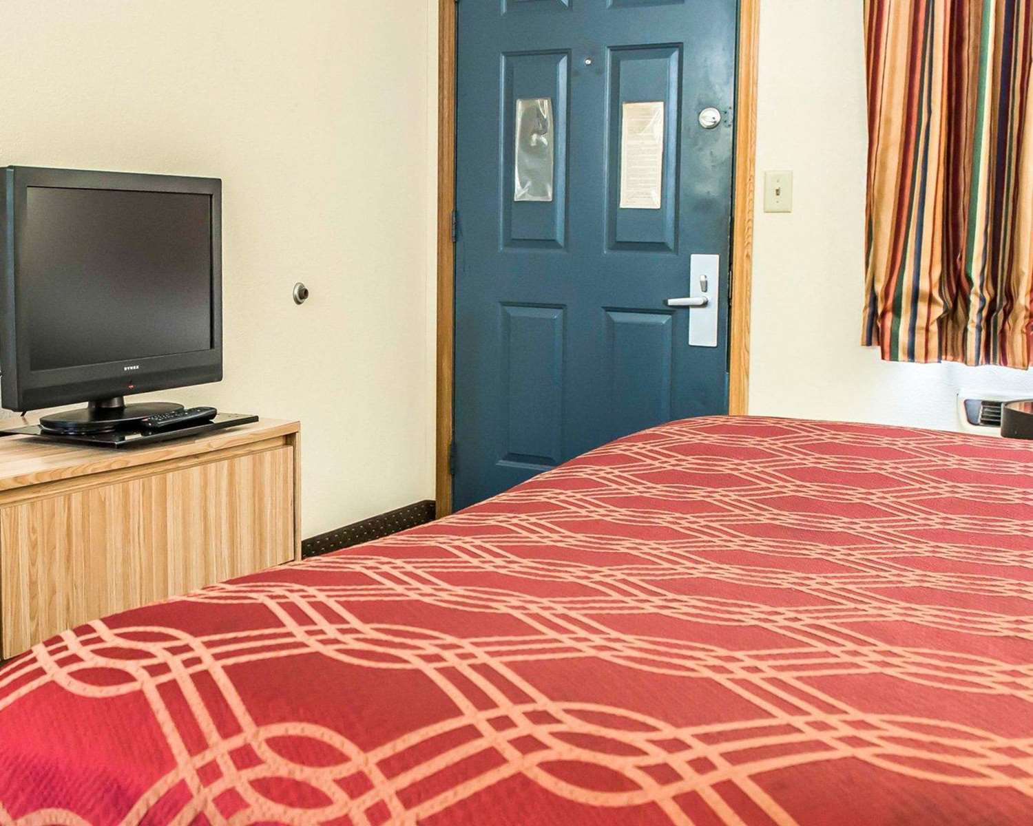 Room - Econo Lodge Waynesburg