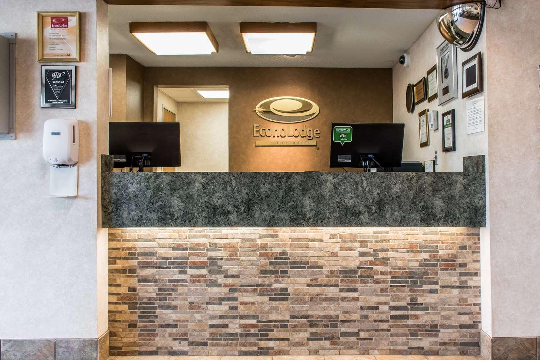 Lobby - Econo Lodge Wilkes-Barre