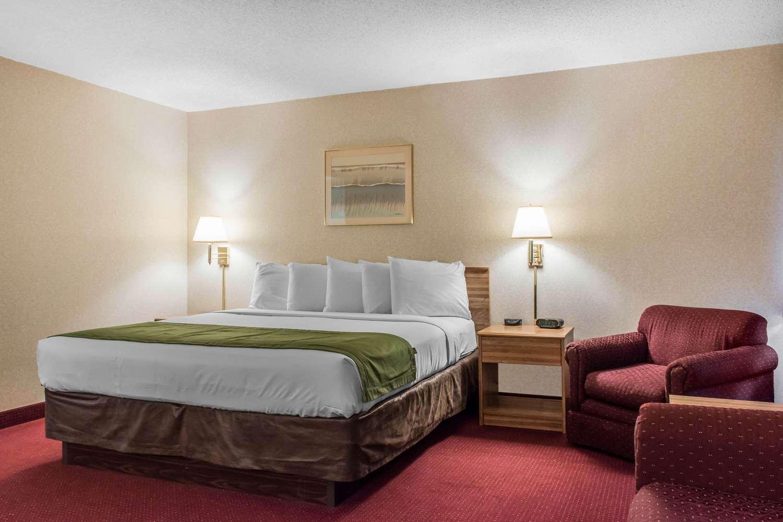 Suite - Econo Lodge Wilkes-Barre