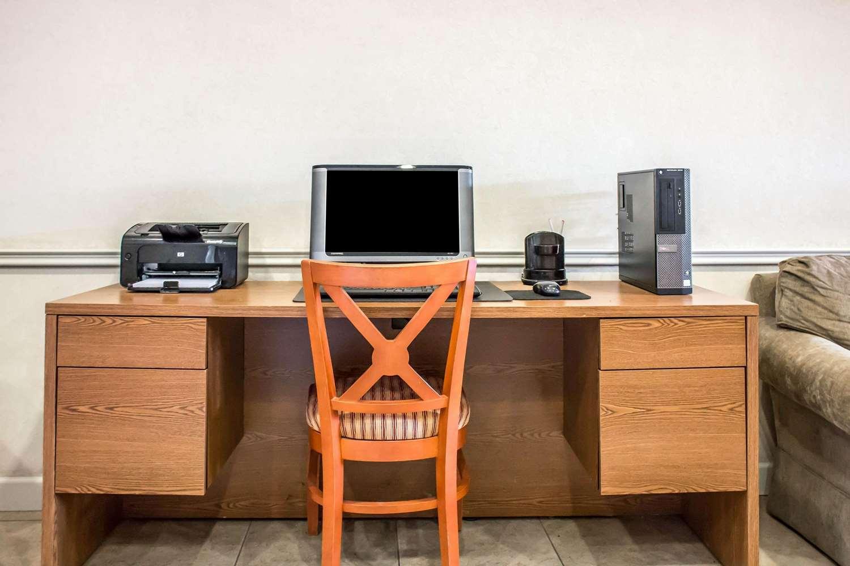 Conference Area - Econo Lodge Williamsport