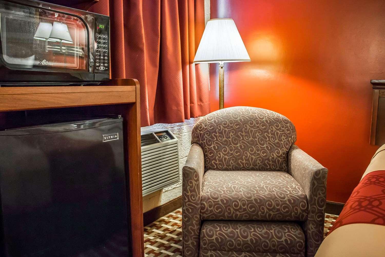 Room - Econo Lodge Williamsport