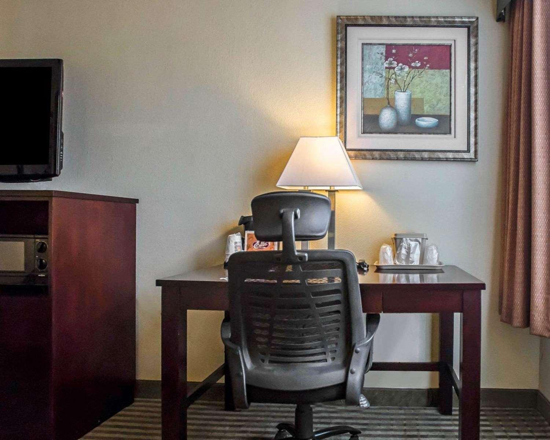 Room - Quality Inn Mill Hall