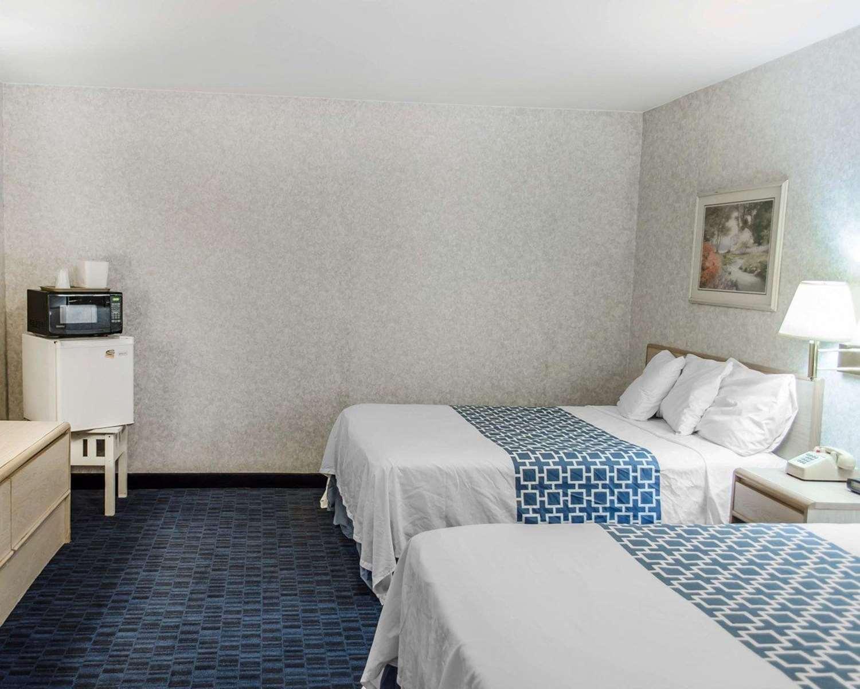 Room - Econo Lodge Mechanicsburg