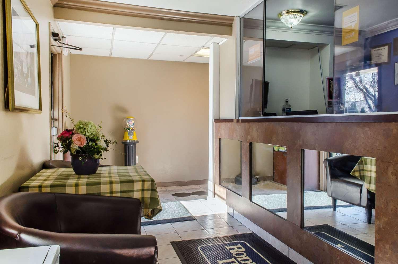 Lobby - Rodeway Inn Allentown