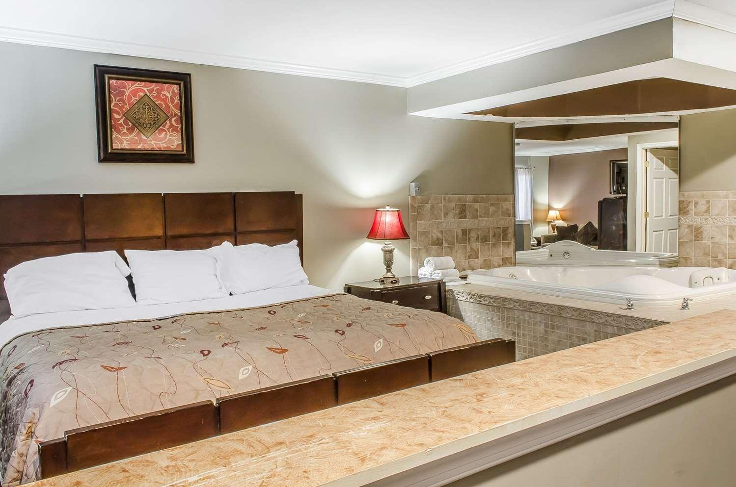 Suite - Rodeway Inn Allentown