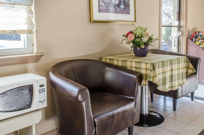 Restaurant - Rodeway Inn Allentown