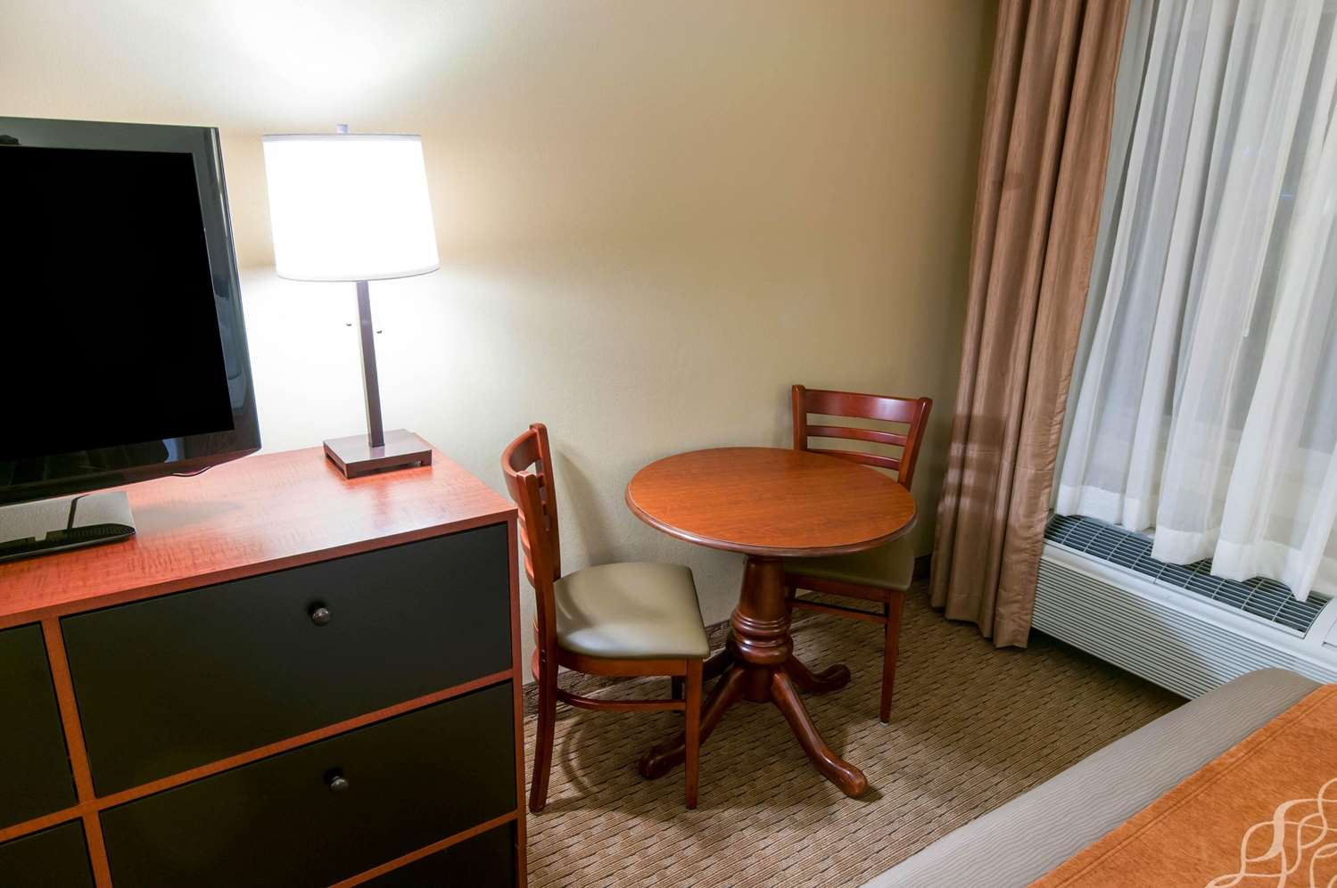 Room - Comfort Inn New Holland
