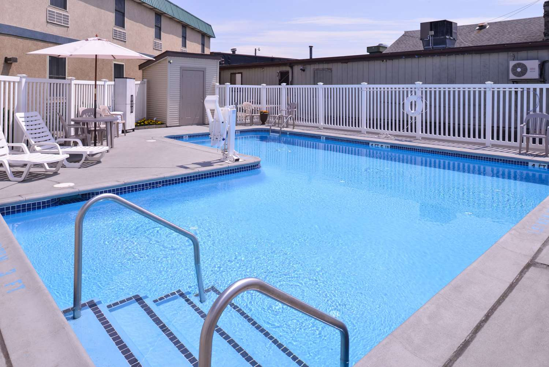 Pool - Comfort Inn Selinsgrove