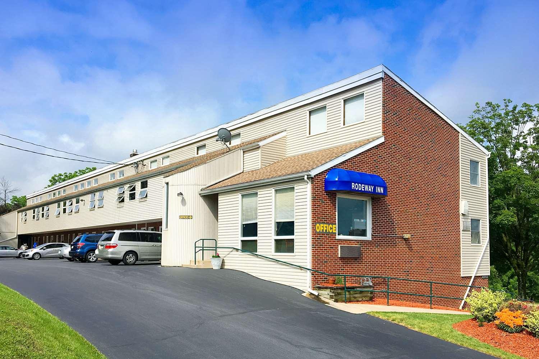 Exterior view - Rodeway Inn State College