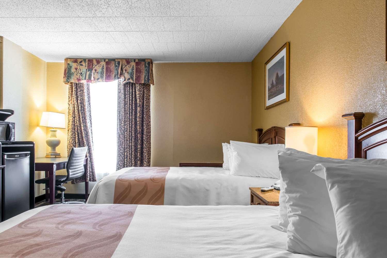 Room - Quality Inn New Kensington