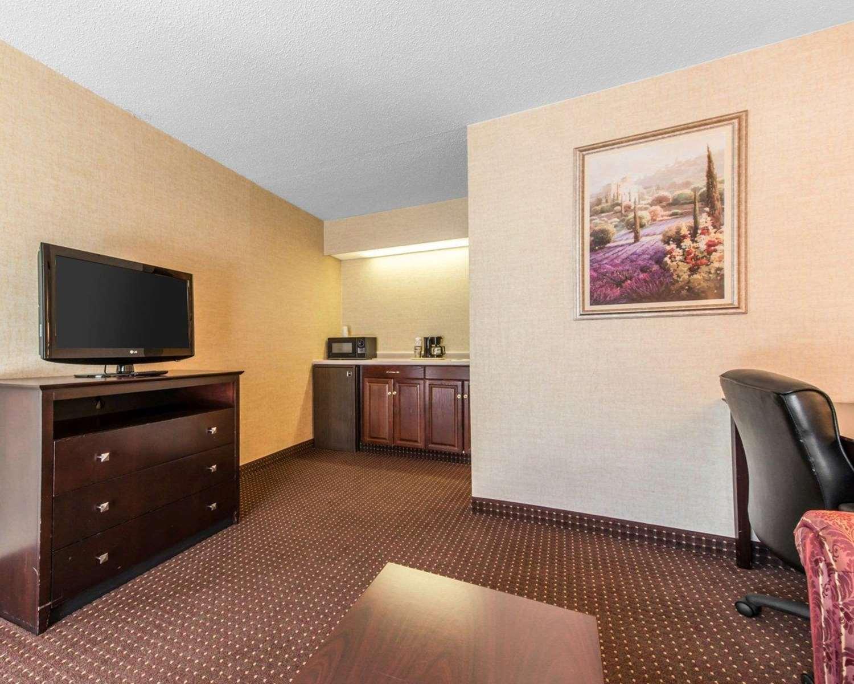 Suite - Quality Inn & Suites Erie