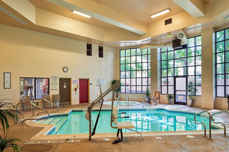 Pool - Comfort Suites State College