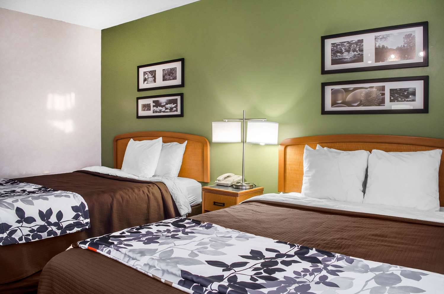 Room - Sleep Inn & Suites Bensalem