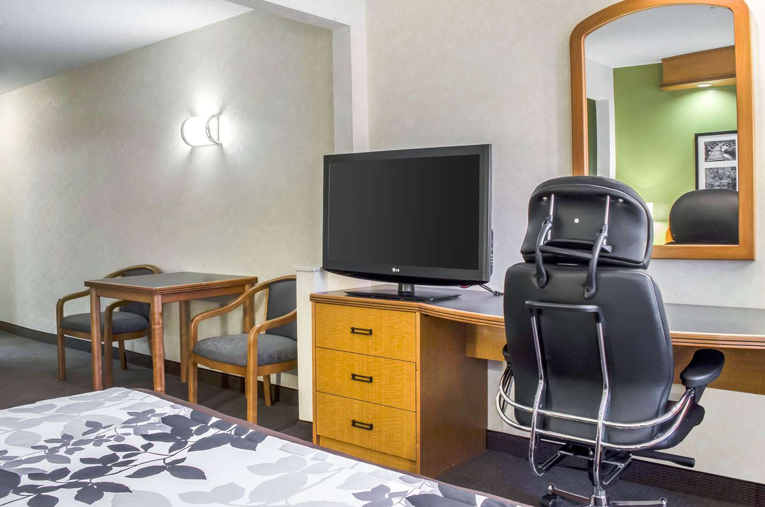 Suite - Sleep Inn & Suites Bensalem