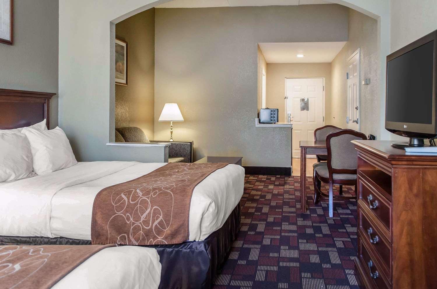 Room - Comfort Suites Grantville