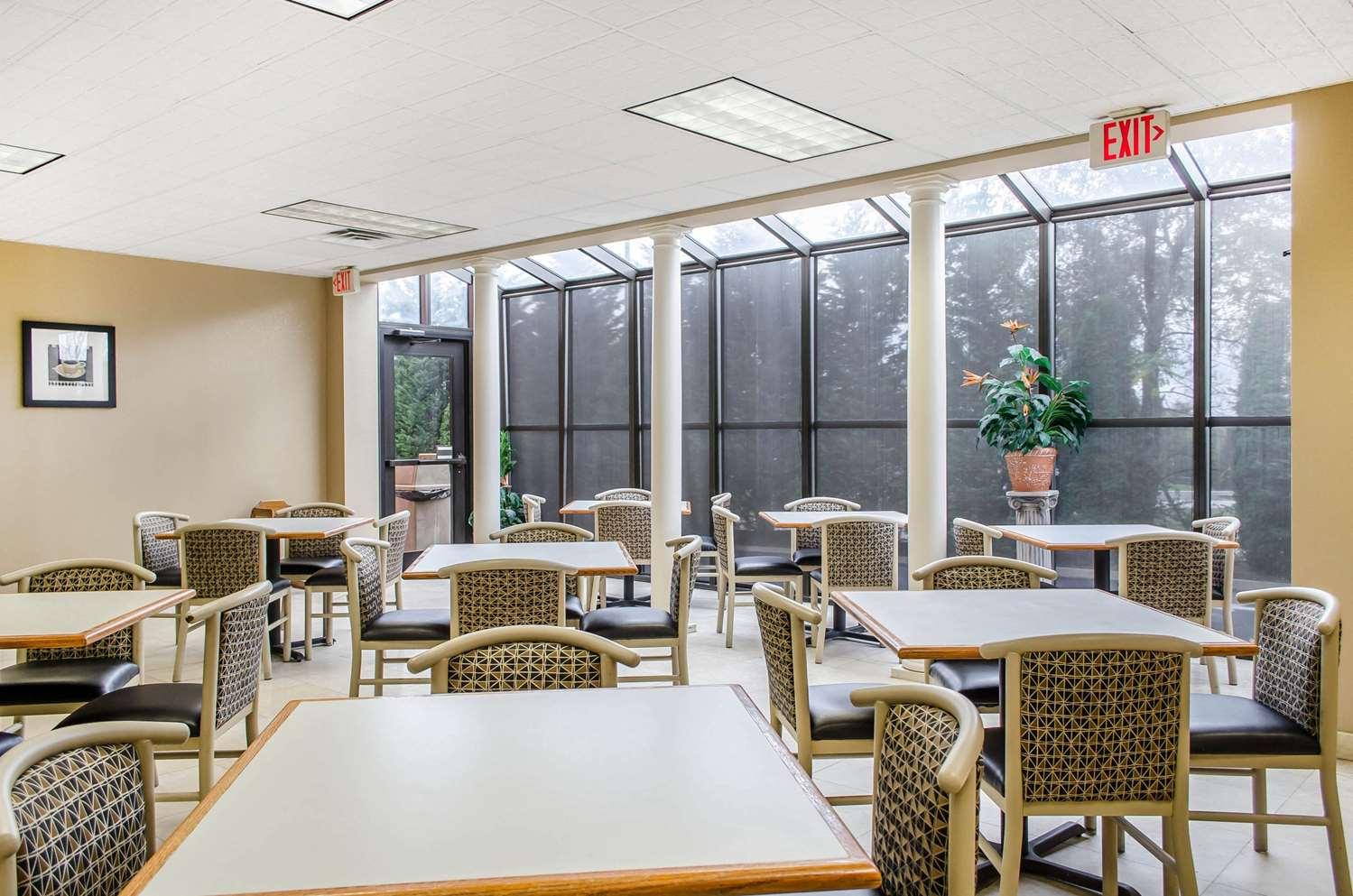 Restaurant - Comfort Suites Grantville